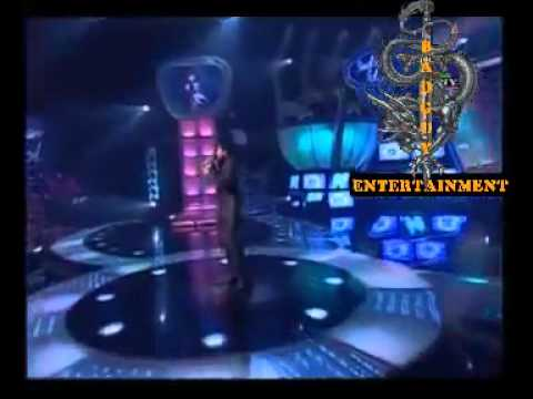 sreeram sing koi jo mila in INDIAN IDOL.flv