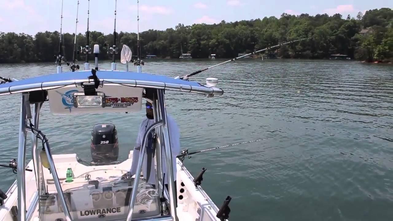 Lake lanier fishing youtube for Lake lanier fishing