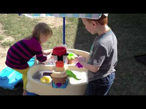 step2 high seas adventure sand water table with umbrella video review youtube. Black Bedroom Furniture Sets. Home Design Ideas