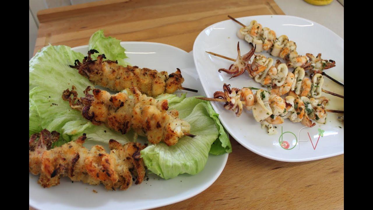 Spiedini di gamberi e calamari gratinati e marinati for Spiedini di pesce gratinati