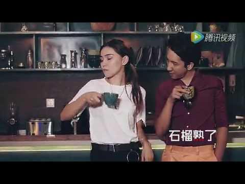 видео девушки с выделяющимися лобками