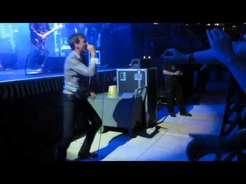Suede - Electricity (Live @ The Coliseum Singapore 2013)