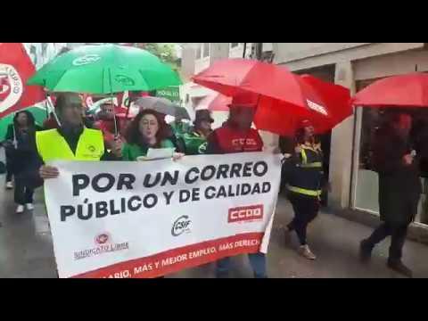 Manifestación de trabajadores de Correos en Lugo