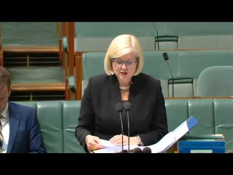 Introducing the Government's Vet Students Loans Program Bill to federal parliament