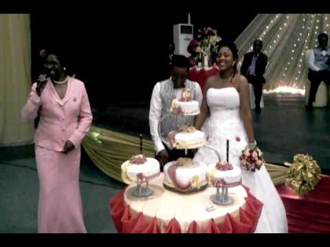 Cutting The Wedding Cake Of Ity And Anny Mp4 Youtube