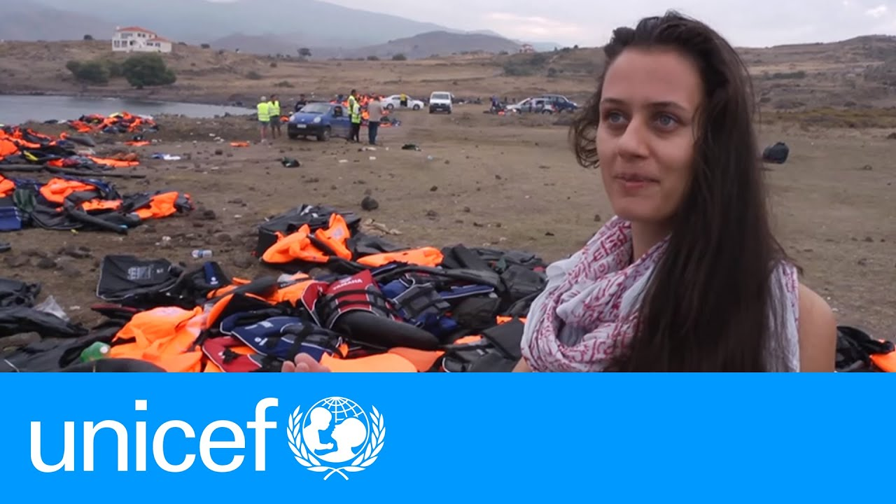 Dutch mother helps refugees landing in Lesvos | UNICEF