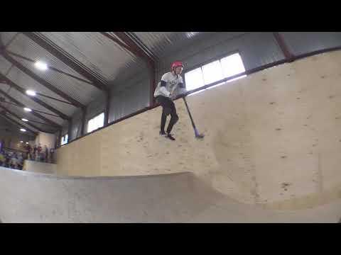 трюки на самокате - Иван Селиванов в скейтпарке #ksspark 20180223