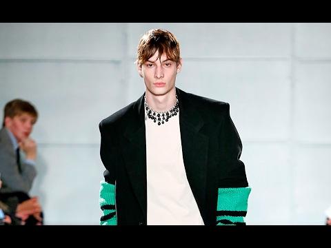 Raf Simons | Fall Winter 2017/2018 Full Fashion Show | Exclusive