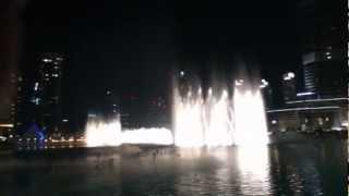 Dubai fountain dancing on Arabic music. Must Watch