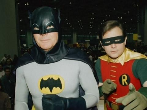 Adam West, Who Played 1960s-Era Batman, Dies