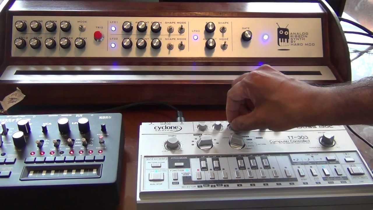 MUFF WIGGLER :: View topic - Bass Bot TT-303