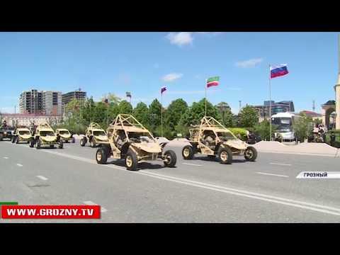 В Грозном прошел военный парад в честь Дня Победы
