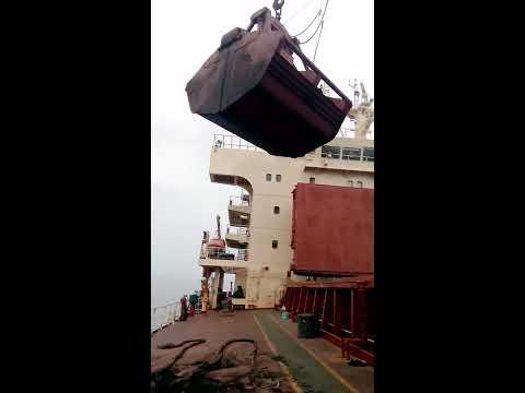 Geared Bulk Loading Coal Using Ships Crane