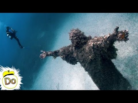 8 Underwater Discoveries That Changed Everything