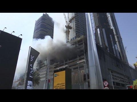 Flammendes Inferno: Brand in Wolkenkratzer in Dubai ausgebrochen