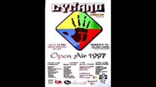 01 Davidian w/ Desire To Fire Intro live @ Dynamo Festival, Airport Eindhoven Holland 1997-05-17