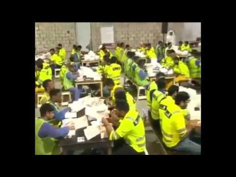 PM Modi Surprises Workers In Doha, Qatar !