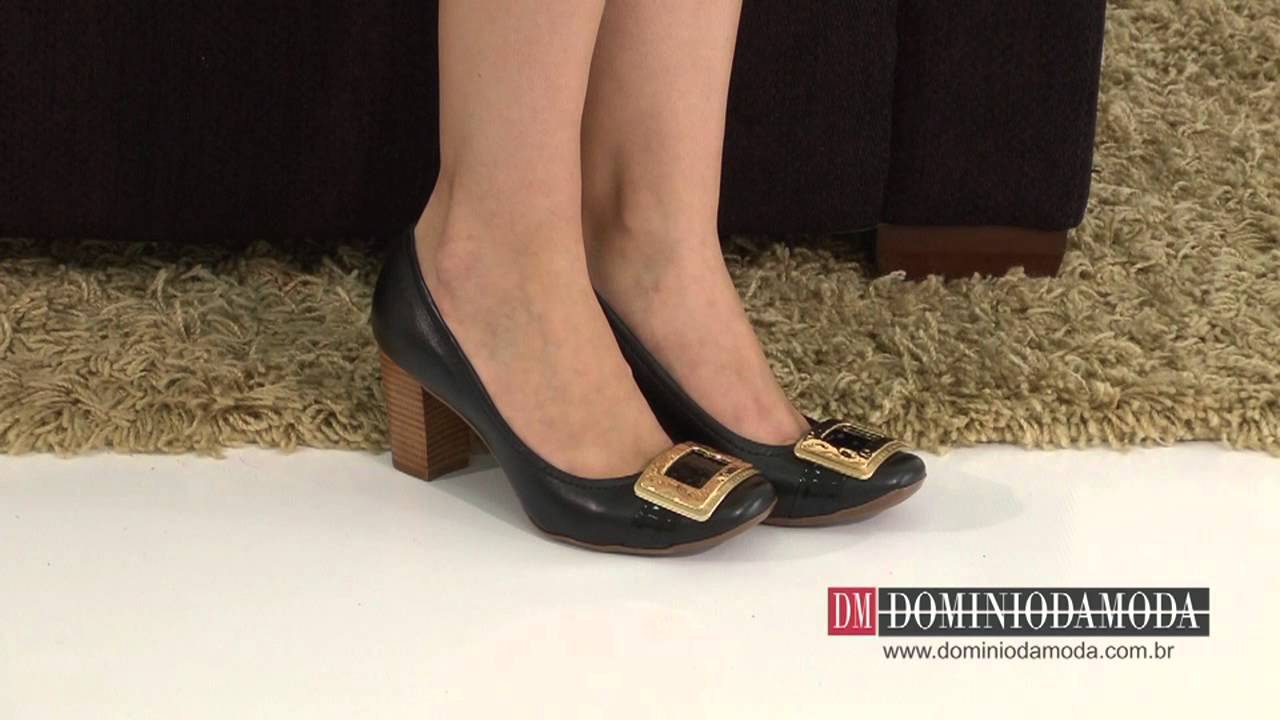 6150f2e4d5 Calçados Femininos  Scarpin Jorge Bischoff Couro Preto 4021-26 A4 Loja  Online Domínio da Moda - YouTube