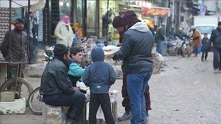 Сирийцы о перспективе перемирия(Жители Сирии в основном с энтузиазмом восприняли перспективу перемирия в стране и начала мирных переговор..., 2016-12-29T22:12:21.000Z)