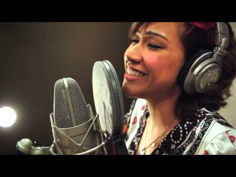 Mina Kaye - Little Voice's Diva Medley (The Rise and Fall of Little Voice)