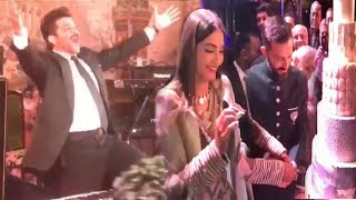 LIVE Inside Video Of Sonam Kapoor's GRAND WEDDING Reception
