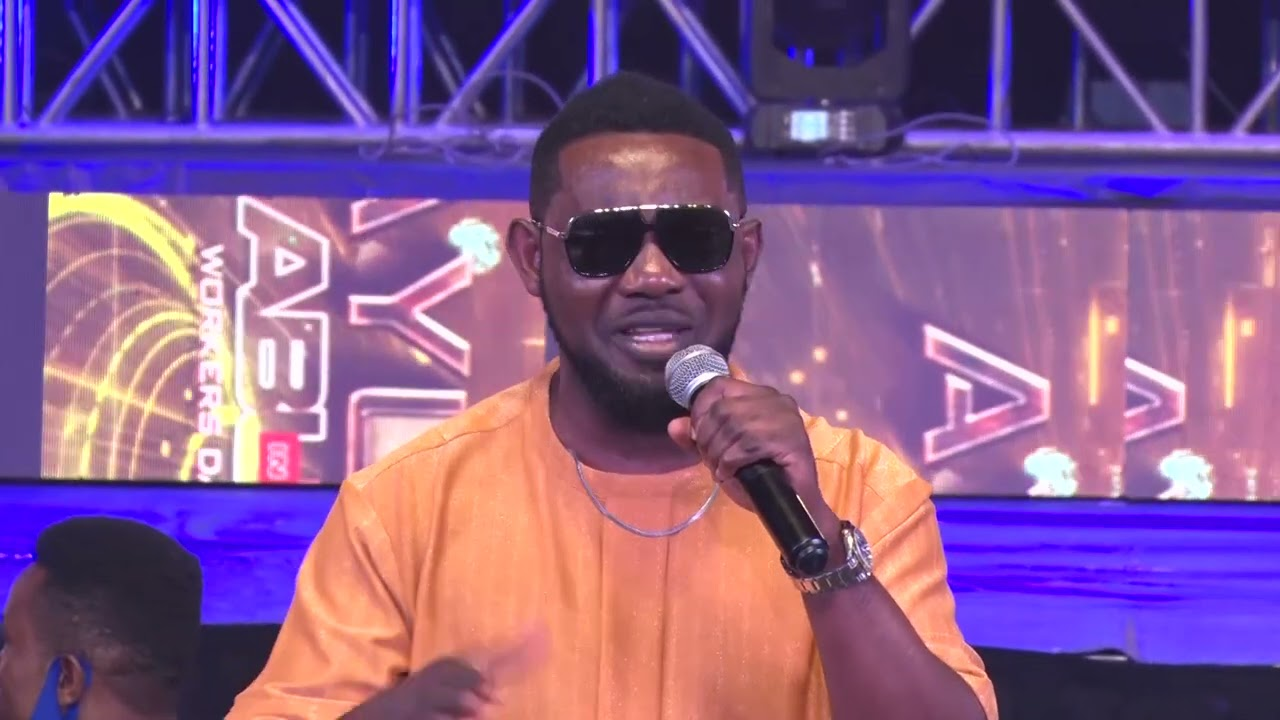 Download AY THRILLED AUDIENCE - AY LIVE ABUJA 2021