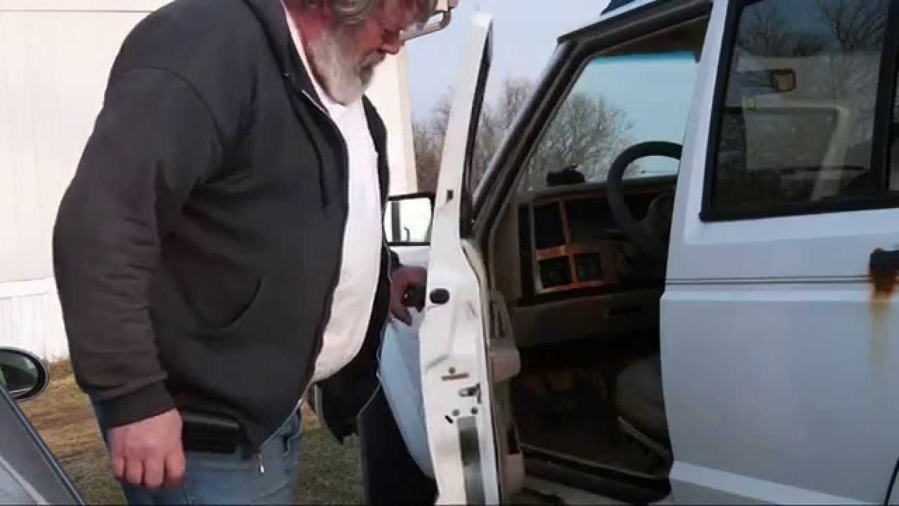How To Unstick A Stuck Jeep Door Youtube