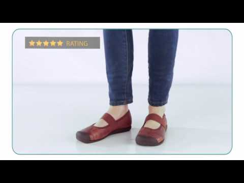 f4b611f8d07 Keen Sienna MJ Leather - Planetshoes.com - YouTube