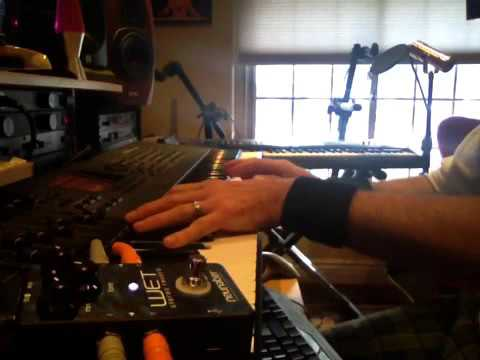 Christmas Keyboards with Neunaber Wet Reverb pedal