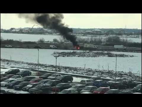 Intervenție a pompierilor după ce o mașină a fost cuprinsă de flăcări pe centura Timișoarei