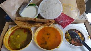 Vande Bharat Express Journey & Food Review | वंदे भारत एक्सप्रेस | kanpur to Delhi Journey