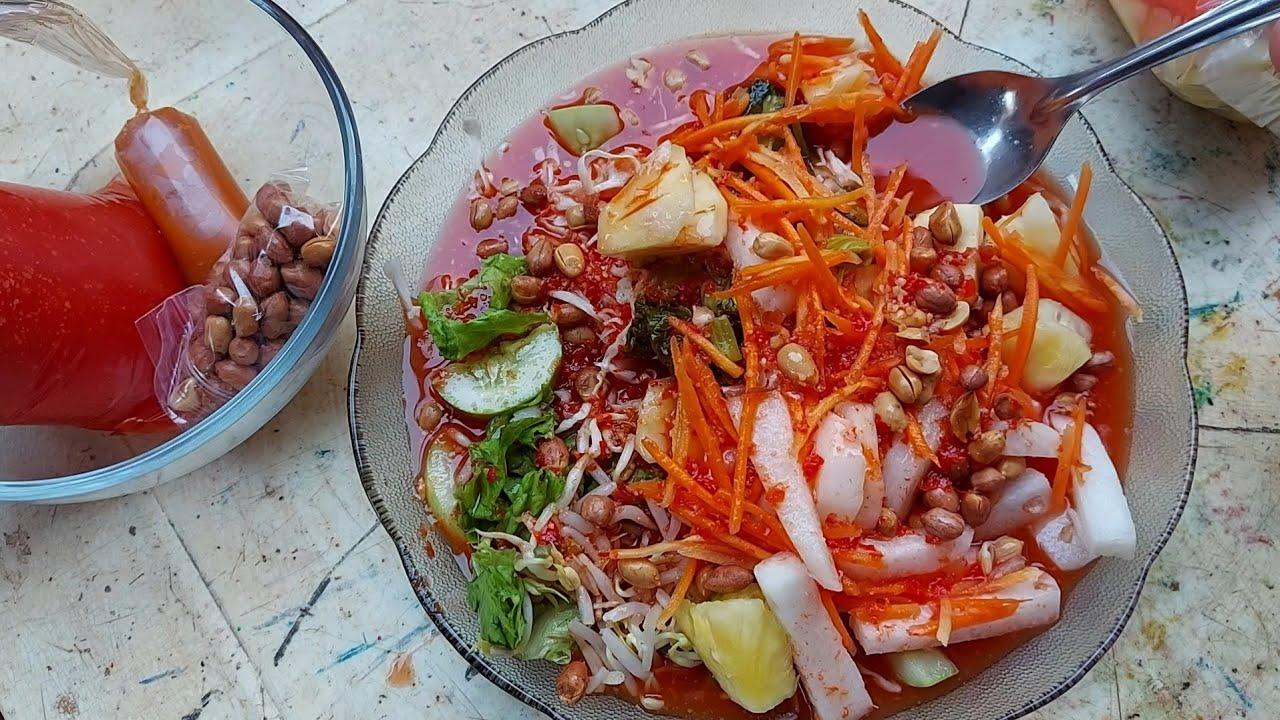 JUALANNYA DALAM KOMPLEK PERUMAHAN TAPI SEHARI BISA JUAL 500 BUNGKUS !! INDONESIAN STREET FOODS