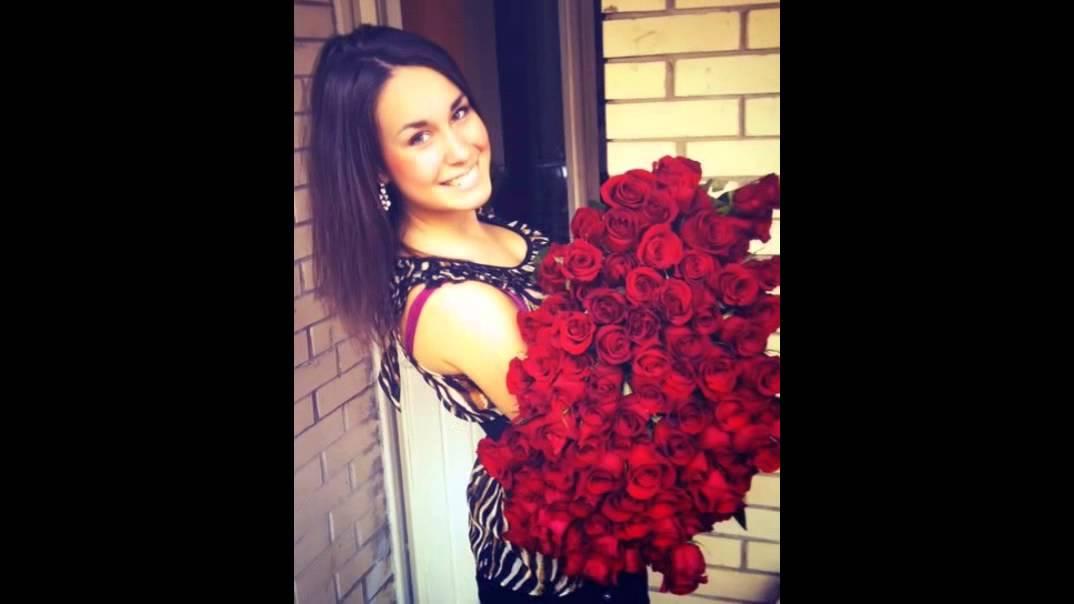 fete frumoase cu flori