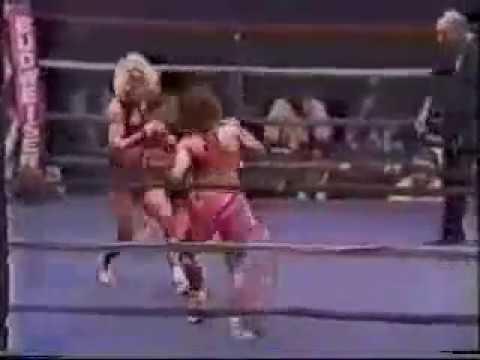 "Kim Messer vs Lisa Smith highlights (Scott Coker called it ""one of the best kickboxing fights"")"