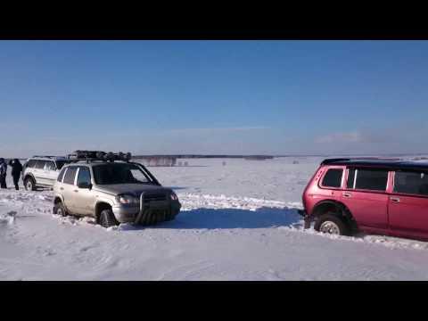 видео: Снежный прорыв на внедорожниках нива, паджеро, уаз, шнива, Покатушки 22.01.2017