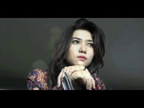 Isyana Sarasvati (ft. Rayi Putra) - Kau Adalah (HD LIRIK)