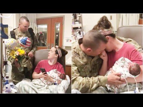 Papà soldato torna dalla guerra e fa una sorpresa alla moglie che ha appena partorito due gemelle