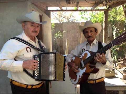 Cheyo y Trino La Indita