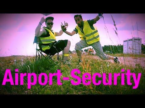 ...Zu einer Zeit in Gardelegen (2017) *FRED & DAGO as Airport-Security*