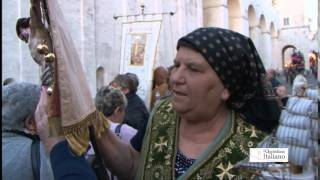 San Nicola, frotte di pellegrini invadono Bari: