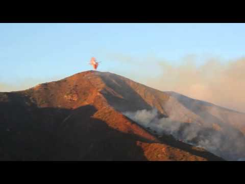 Exhilarating DC-10 Firefighter Plane Pulls Off Incredible Maneuver In Silverado Canyon 9/12/2014