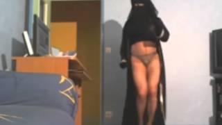 Sexy dance in hijab