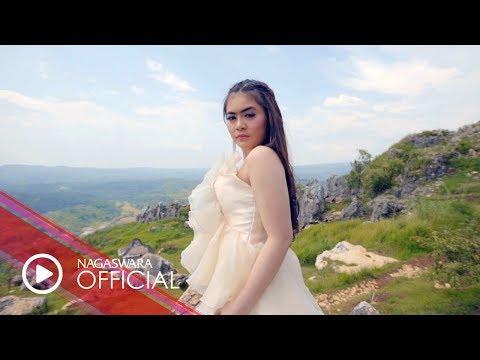 Download Mimie Fhara - Hatiku Terluka (Official Music Video NAGASWARA) #music Mp4 baru
