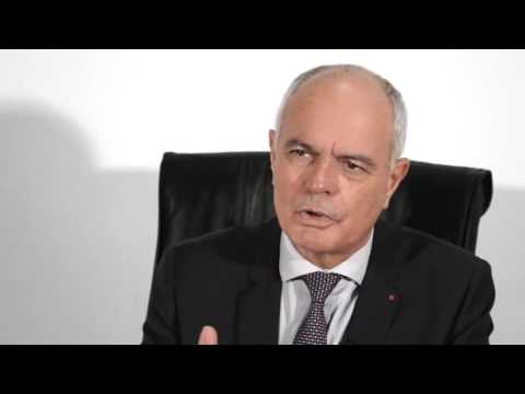 Carlos Manuel Valls, Bernard Cazeneuve et Christiane Taubira démission