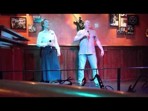 Harry uit de barry met de barvrouw karaoke Preston Palace
