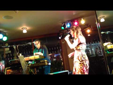 essence-live-duo---essex-wedding-music-entertainment,-live-band/duo-don't-stop-believing