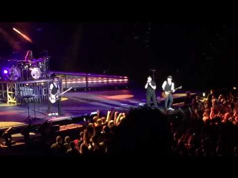 Shinedown - Asking For It (Live, Tulsa) (HQ)