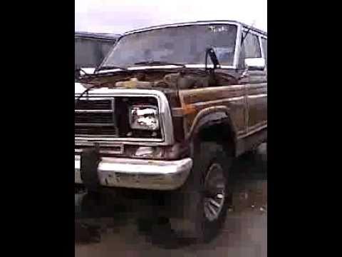 jeep wagoneer in junkyard