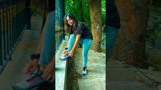 Poses Flaunting Shoes | Side P…