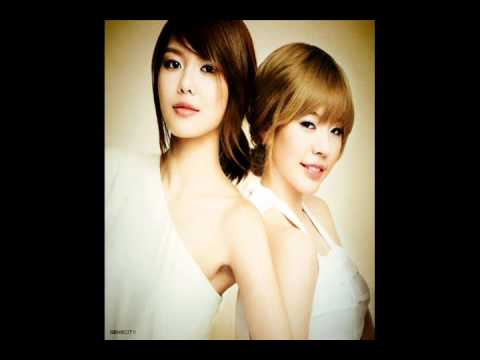 SNSD Sooyoung and Sunny - happy me duet